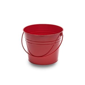 MT035 Large red metal bucket