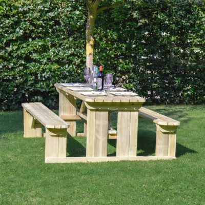 Tinwell Rounded Picnic Bench 1